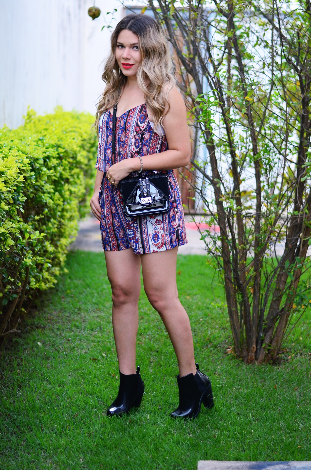 mini bag + macaquinho folk + melissa soldier 7