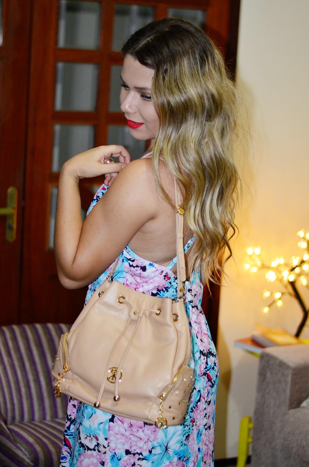 vestido longo floral + chapeu + bolsa saco 8
