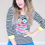 Look do dia: Saia Rodada Azul Royal, Camisa Listrada e Adidas Duramo slides