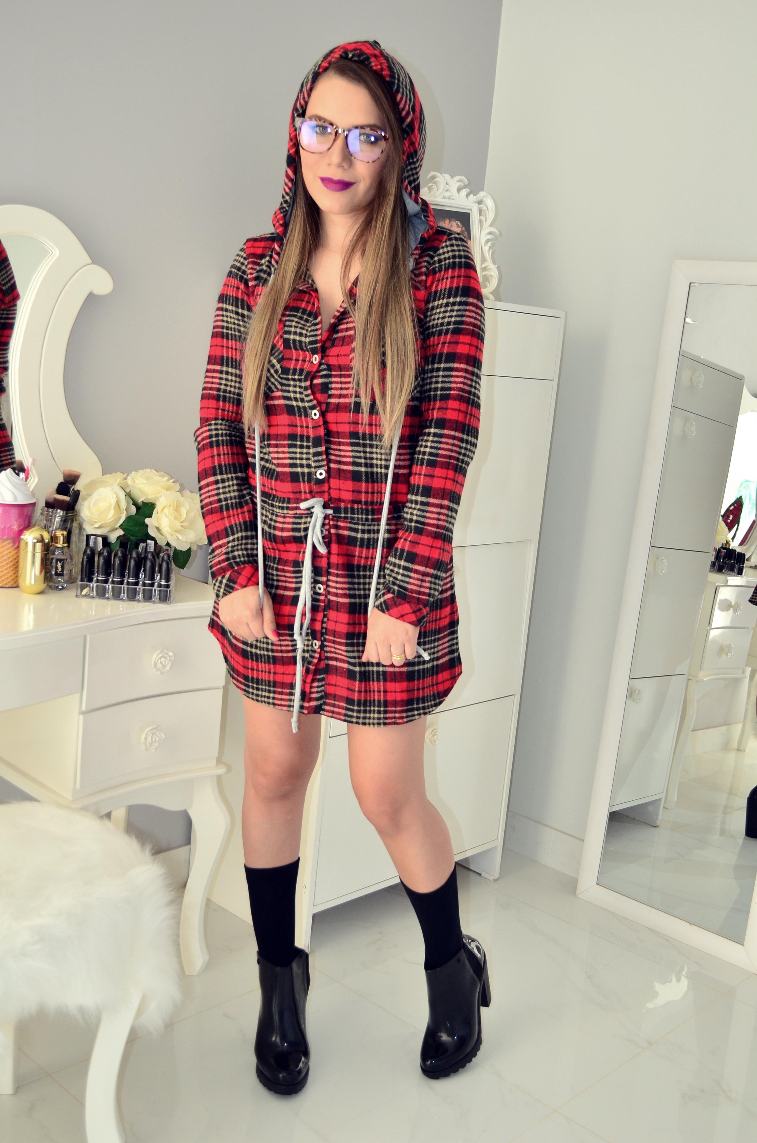 vestido xadrez e bota melissa 5