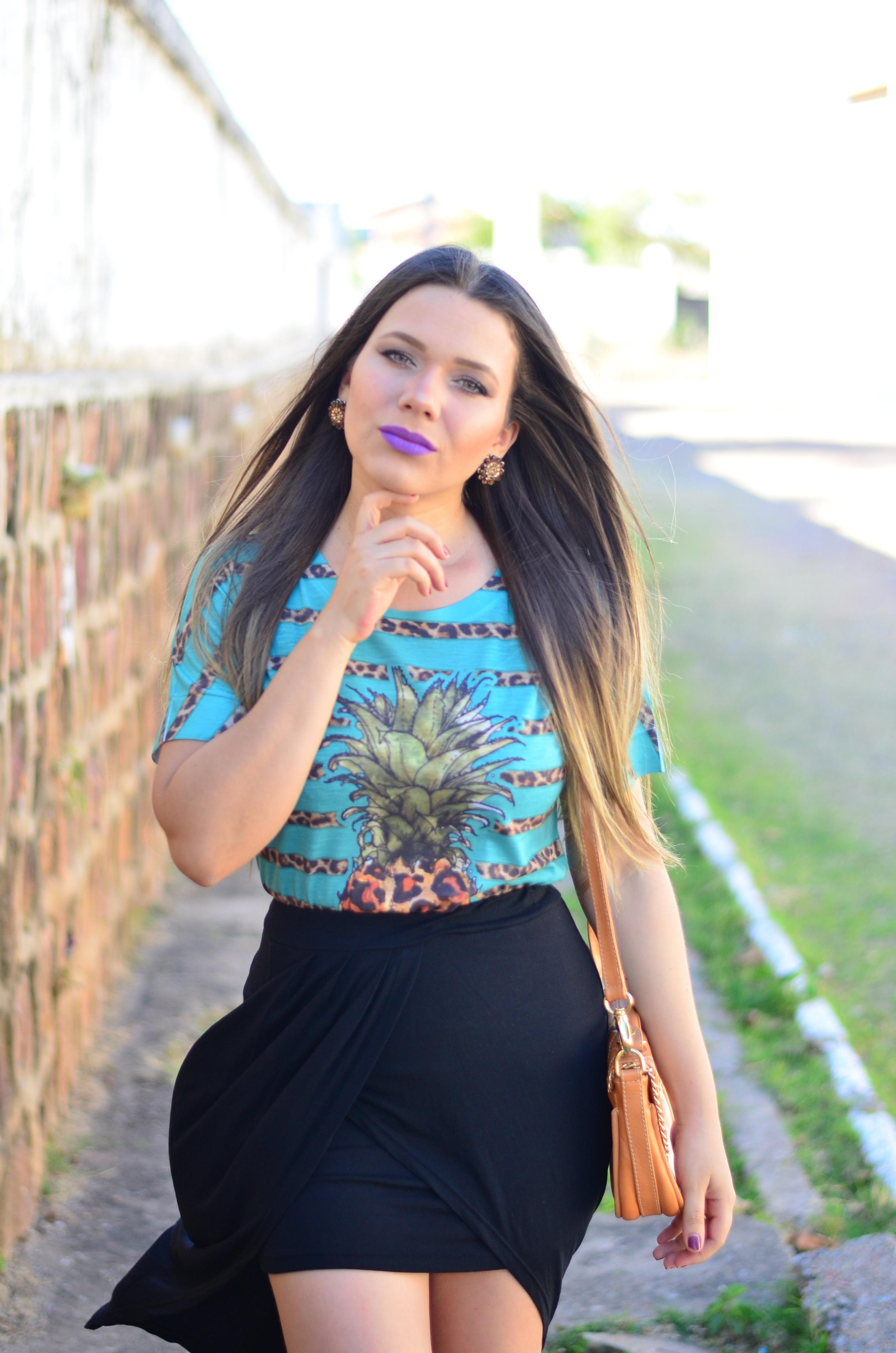 look-saia-assimetrica-t-shirt-abacaxi-melissa-hotness-salinas14