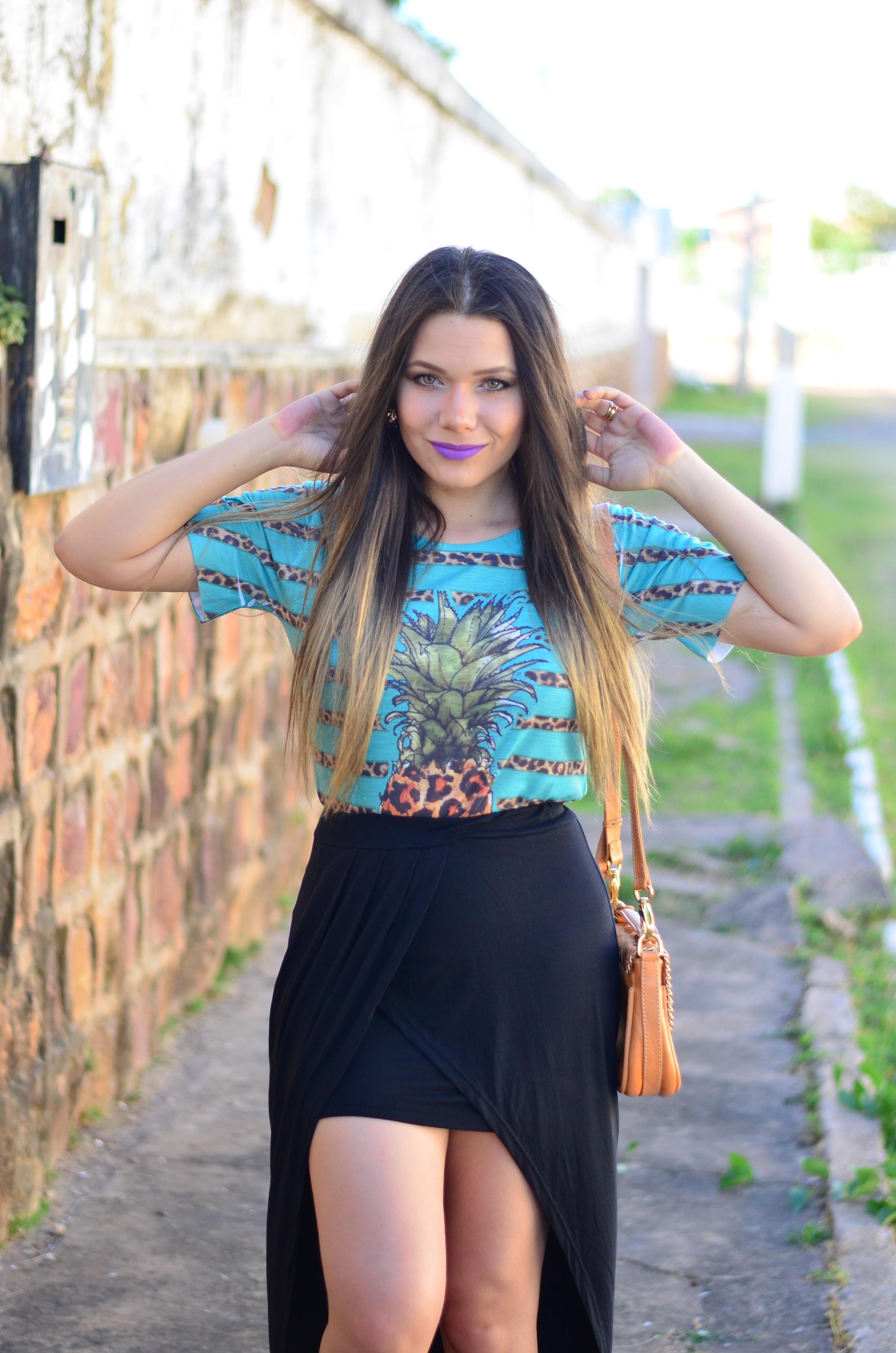 look-saia-assimetrica-t-shirt-abacaxi-melissa-hotness-salinas17