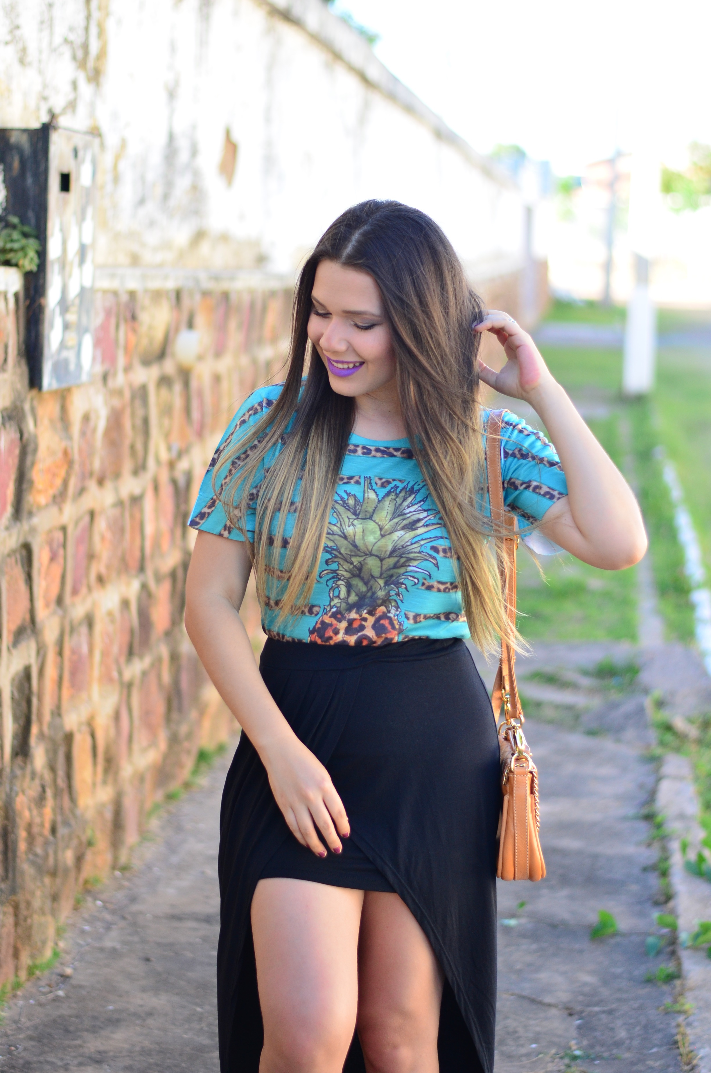 look-saia-assimetrica-t-shirt-abacaxi-melissa-hotness-salinas18