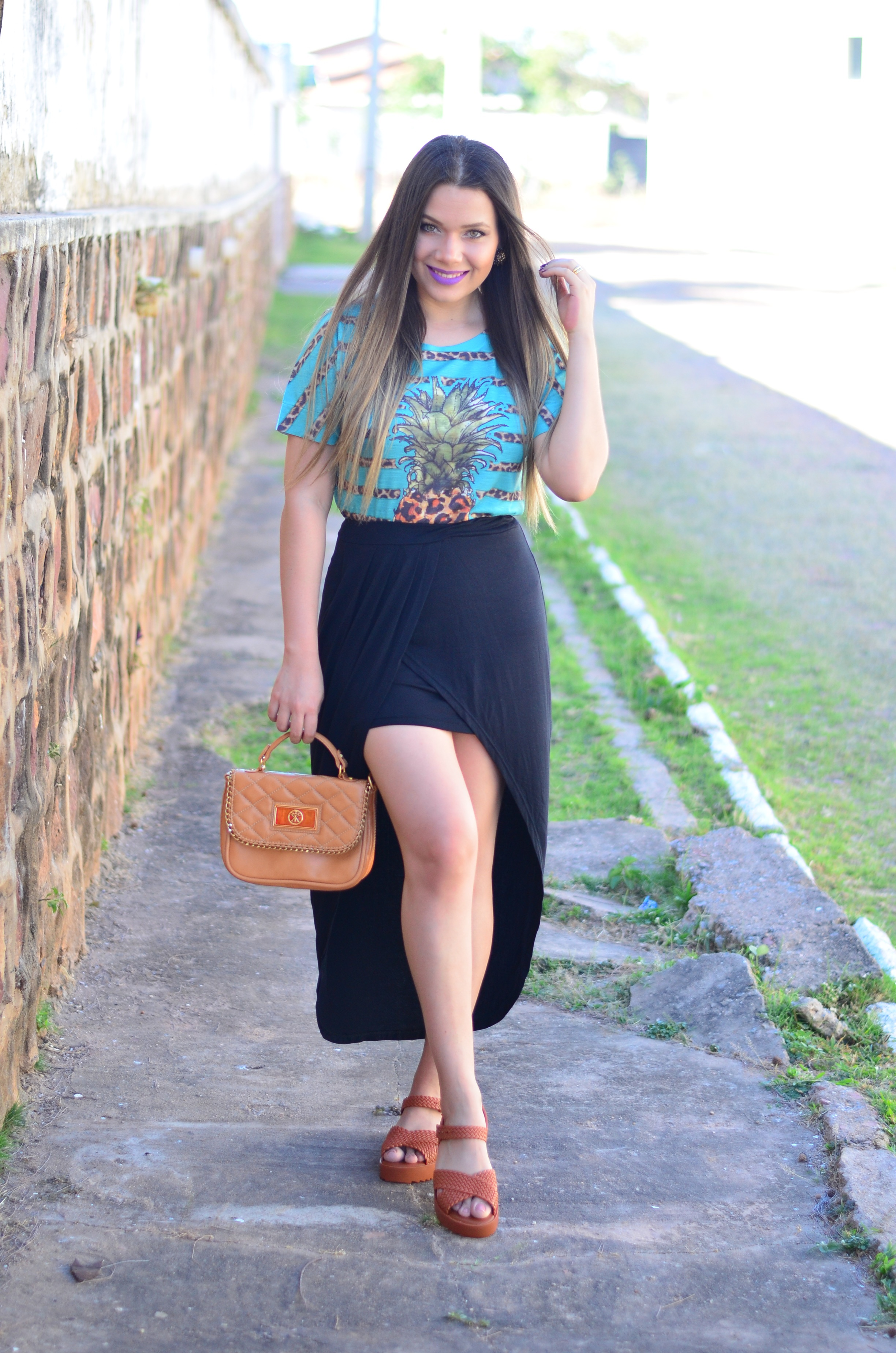 look-saia-assimetrica-t-shirt-abacaxi-melissa-hotness-salinas4
