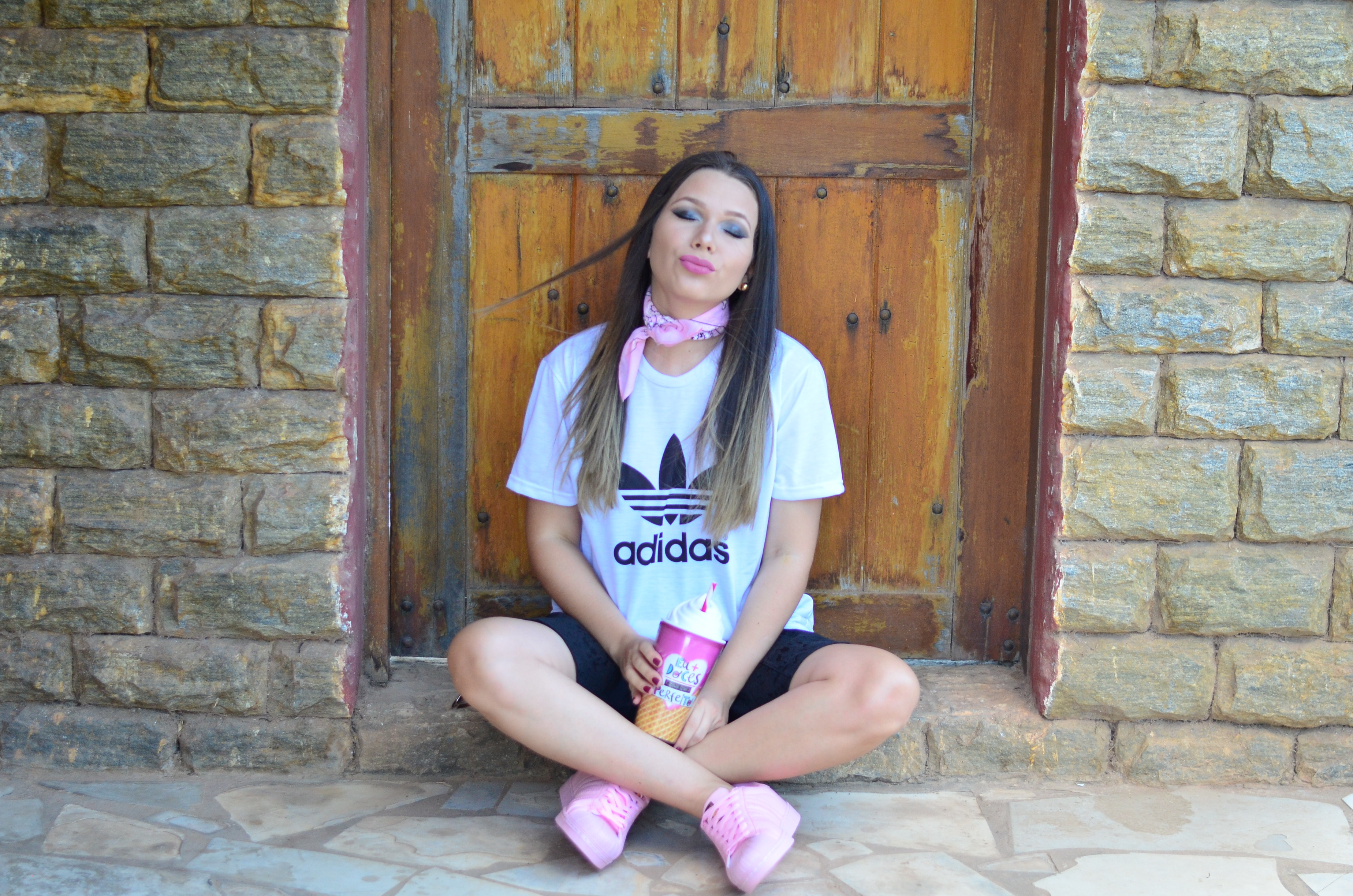 look-tee-adidas-e-tenis-rosa-7