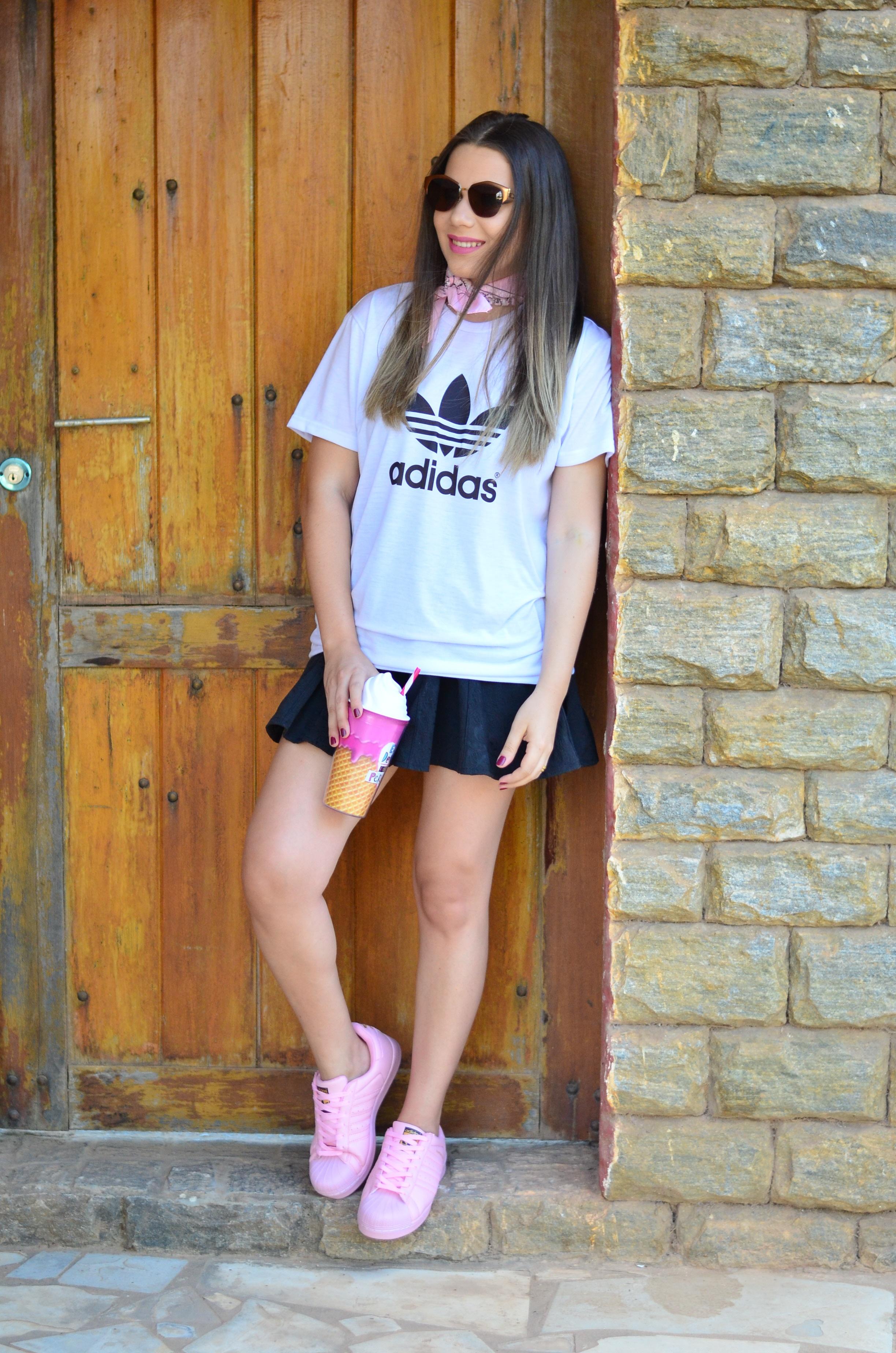look-tee-adidas-e-tenis-rosa