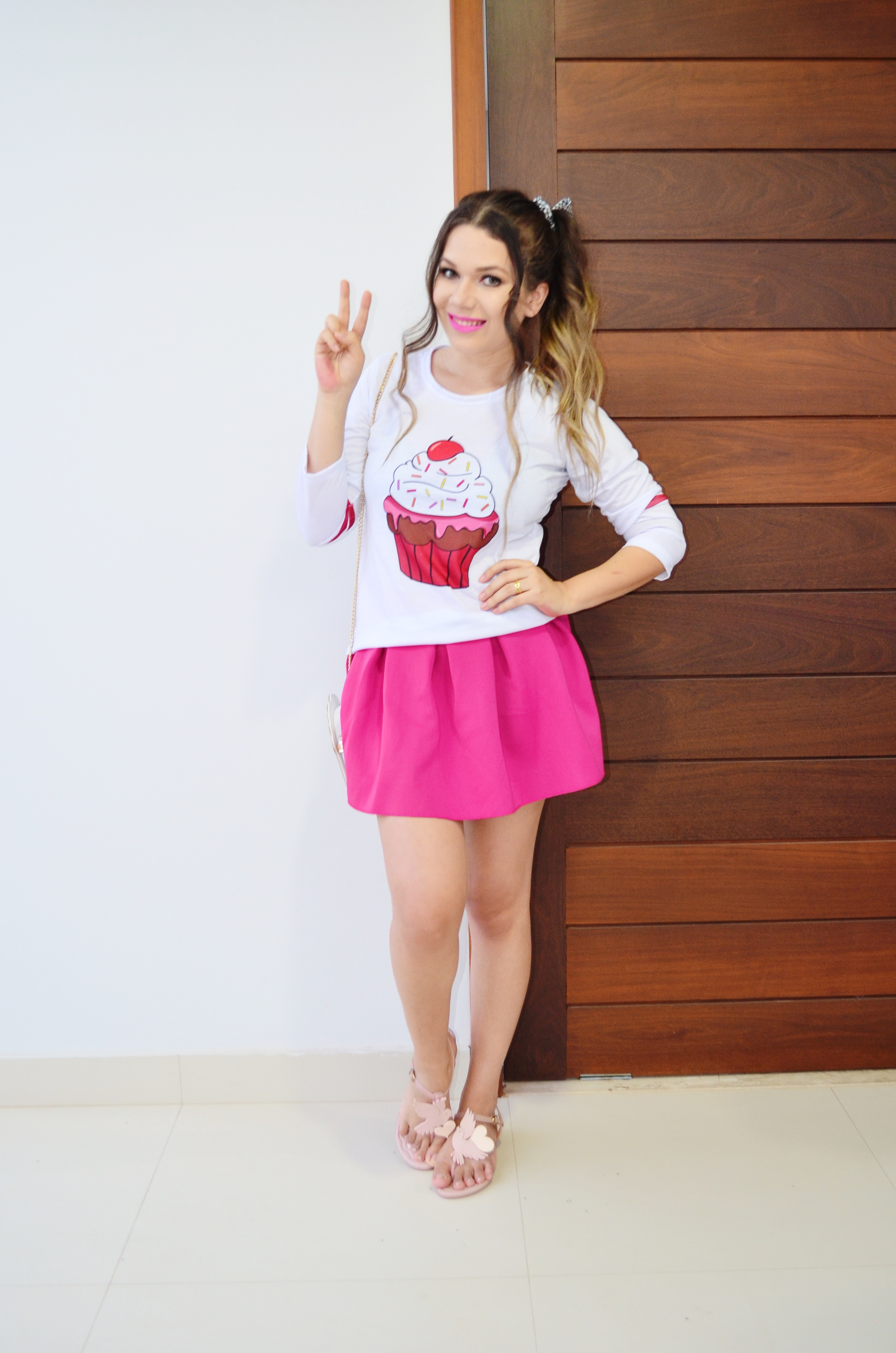 look-melissa-vivienne-westwood-anglomania-melissa-solar-ii-camisa-cupcake-e-saia-pink-9