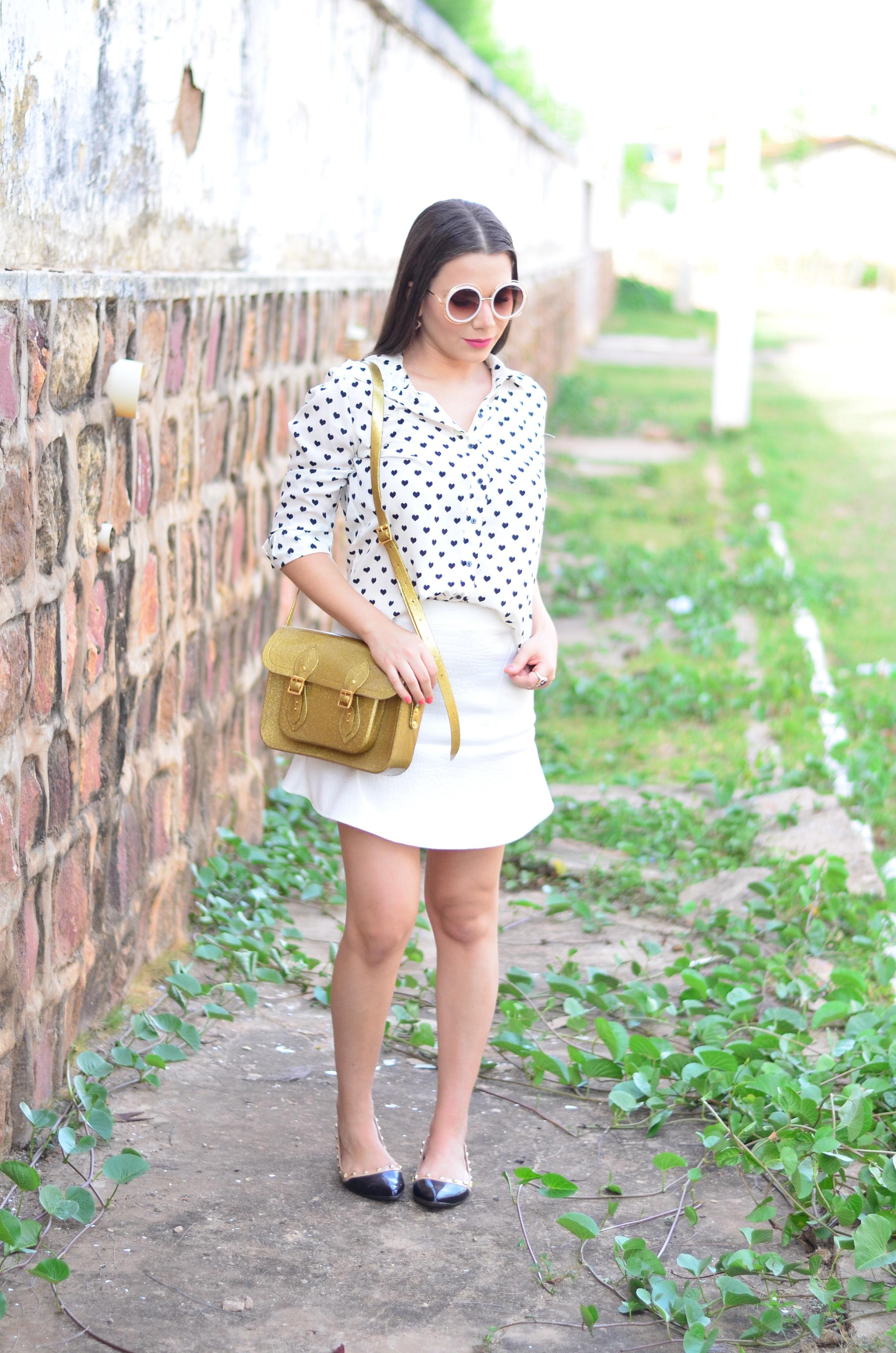 look-saia-e-camisa-branca-com-oculos-inspiracao-chloe-10
