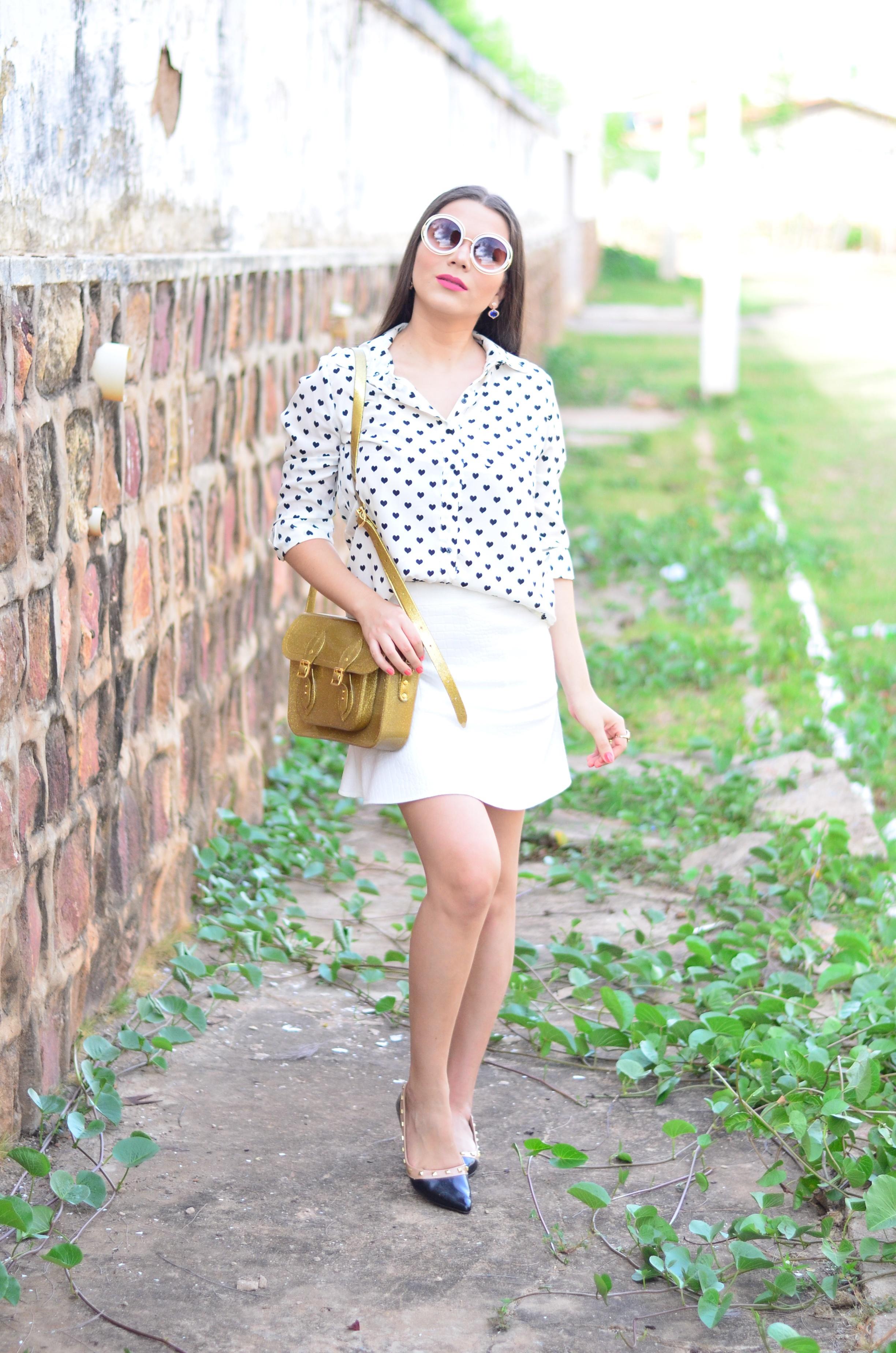 look-saia-e-camisa-branca-com-oculos-inspiracao-chloe-12