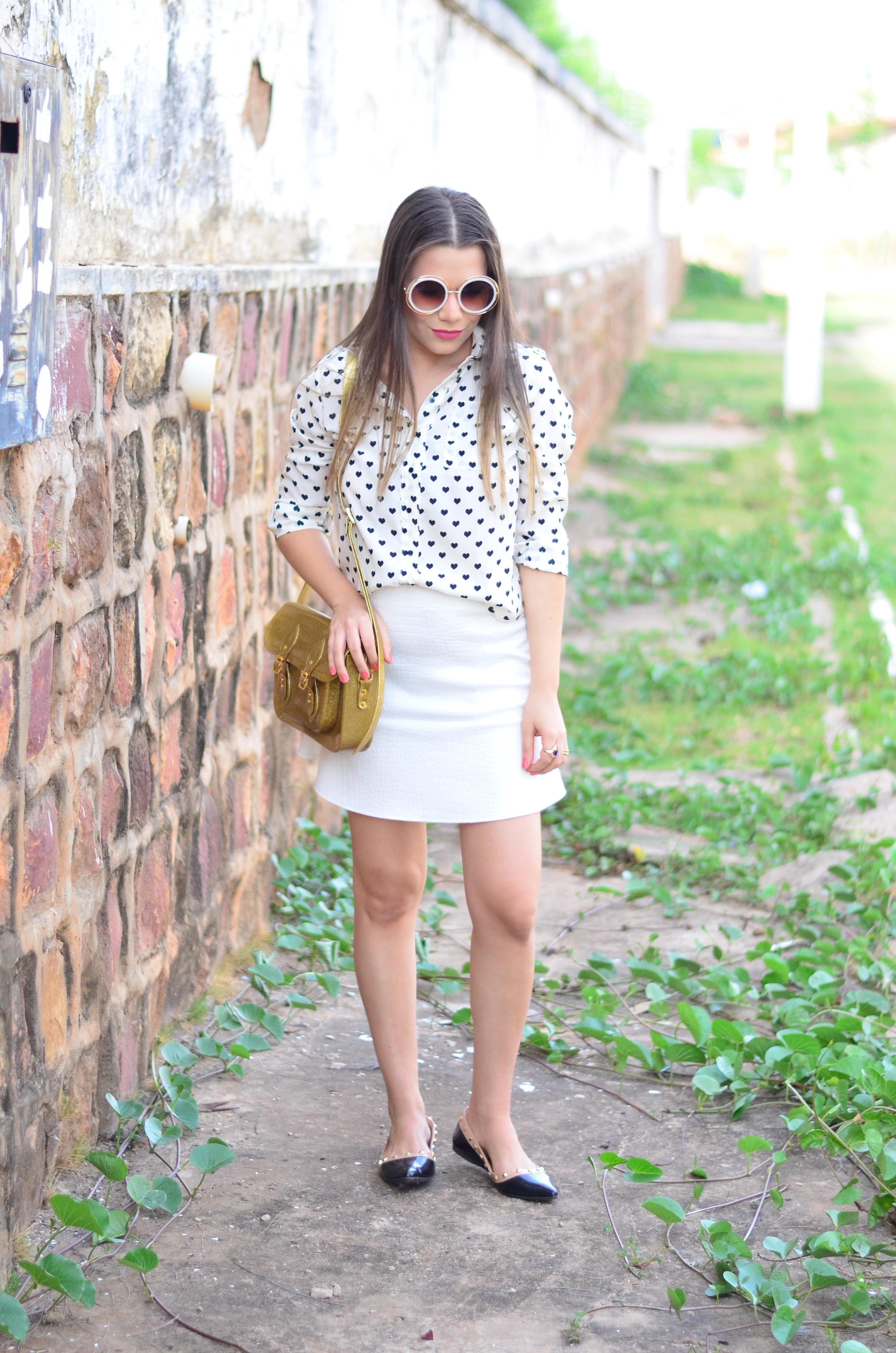 look-saia-e-camisa-branca-com-oculos-inspiracao-chloe-15