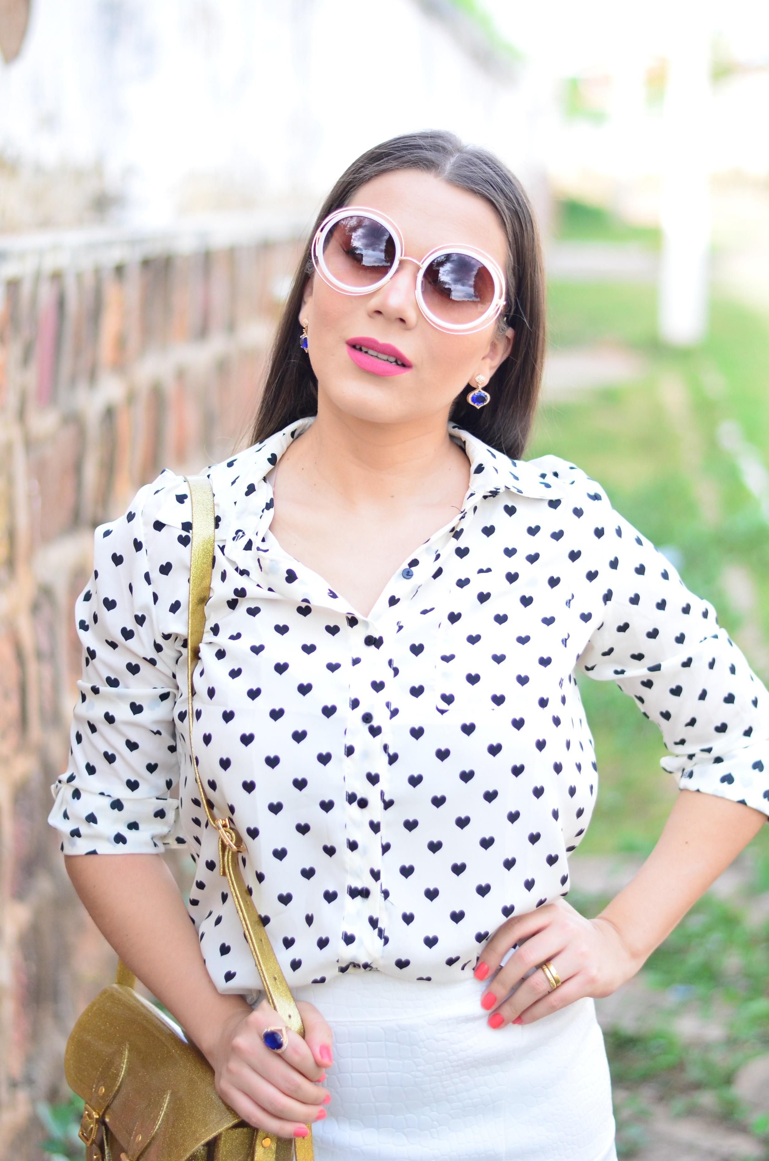 look-saia-e-camisa-branca-com-oculos-inspiracao-chloe-16