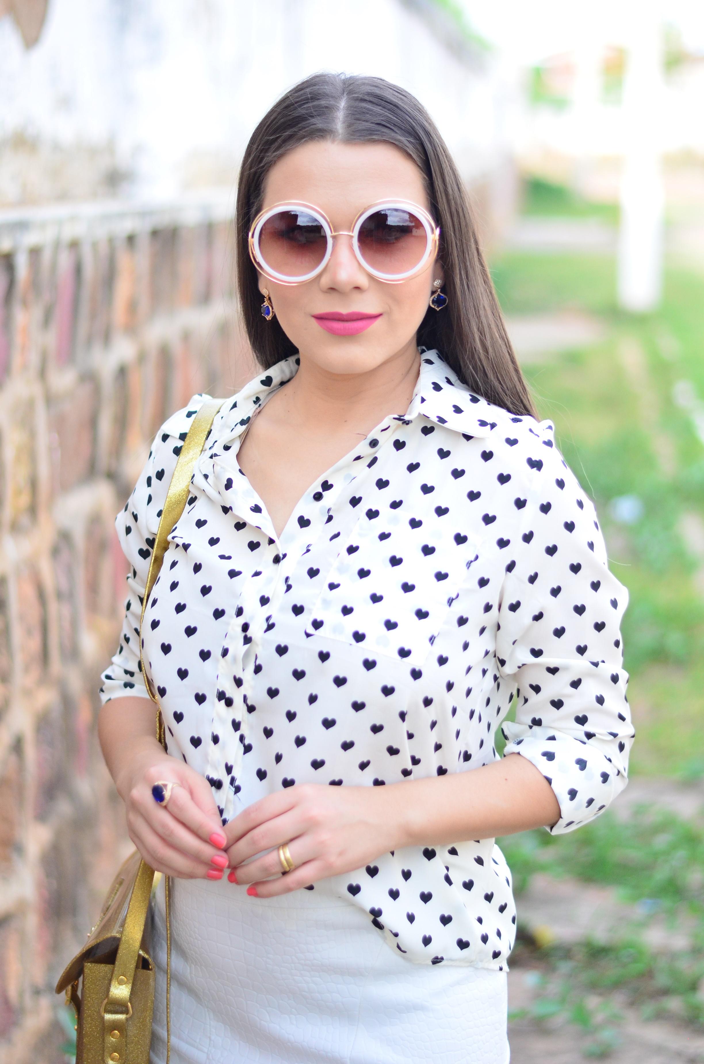 look-saia-e-camisa-branca-com-oculos-inspiracao-chloe-18