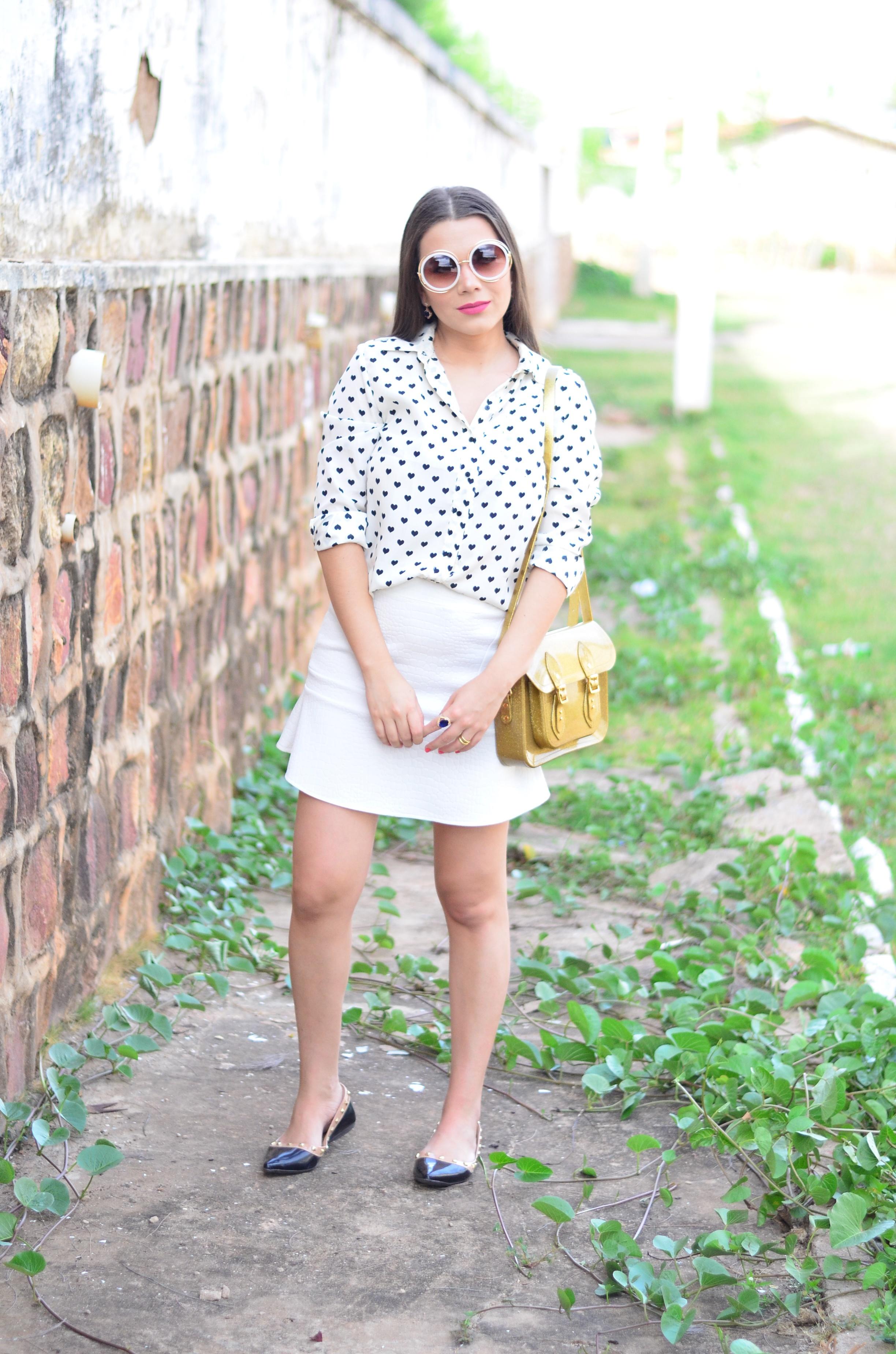 look-saia-e-camisa-branca-com-oculos-inspiracao-chloe-8
