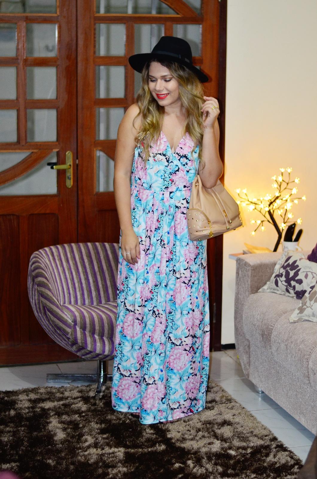 vestido longo floral + chapeu + bolsa saco 4