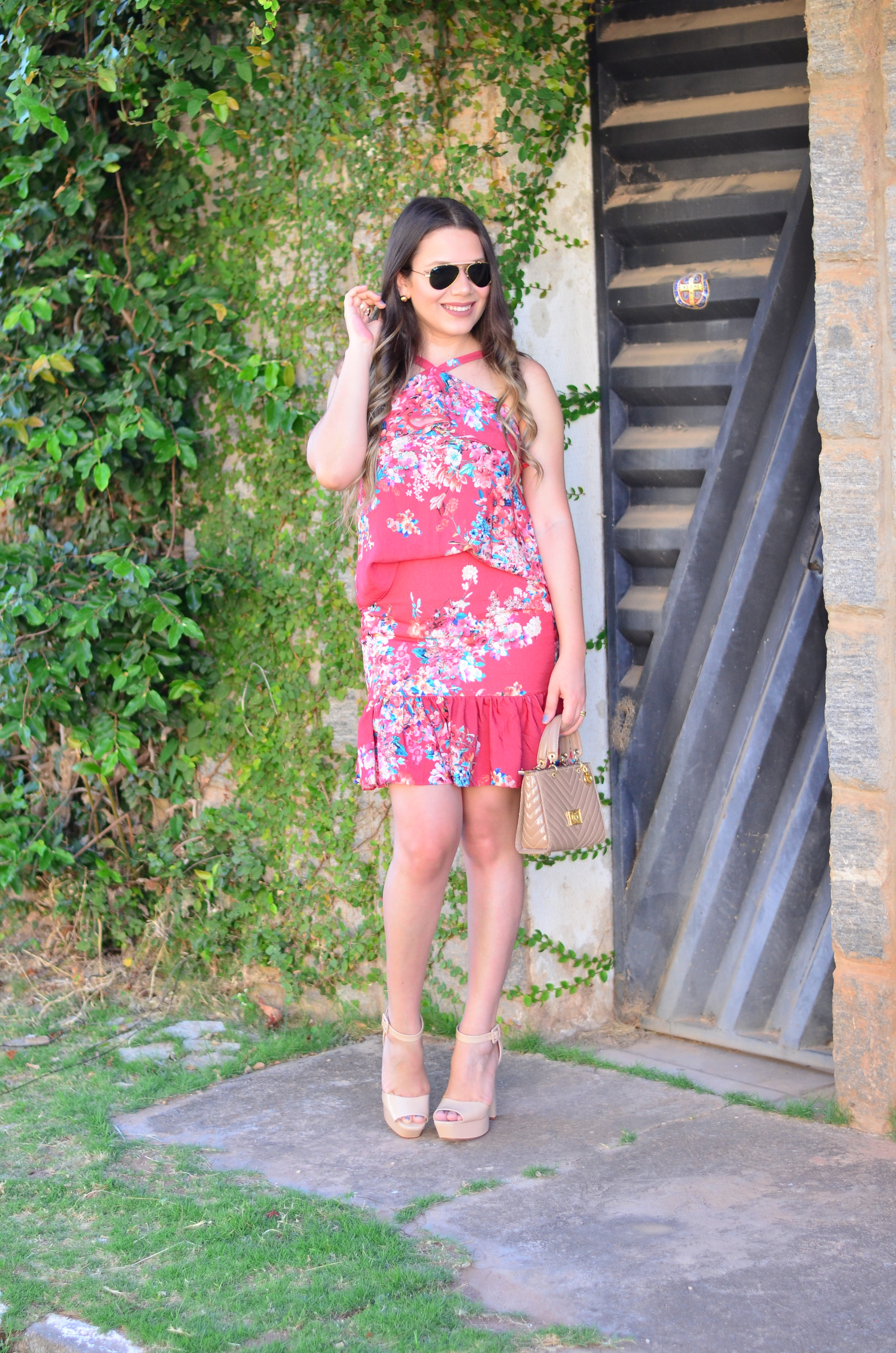look-do-dia-conjunto-floral-e-salto-schutz-mini-bag15