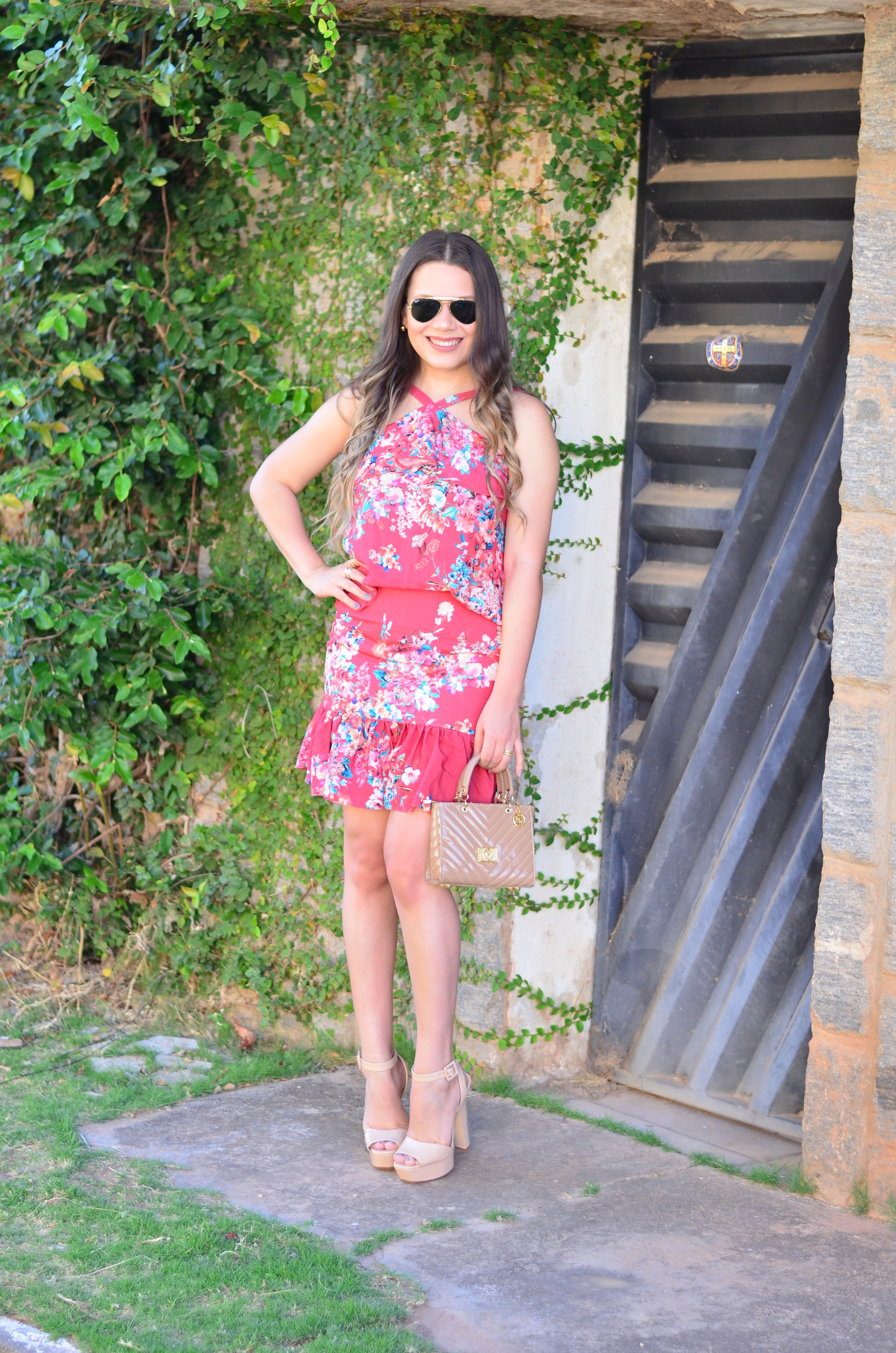 look-do-dia-conjunto-floral-e-salto-schutz-mini-bag16