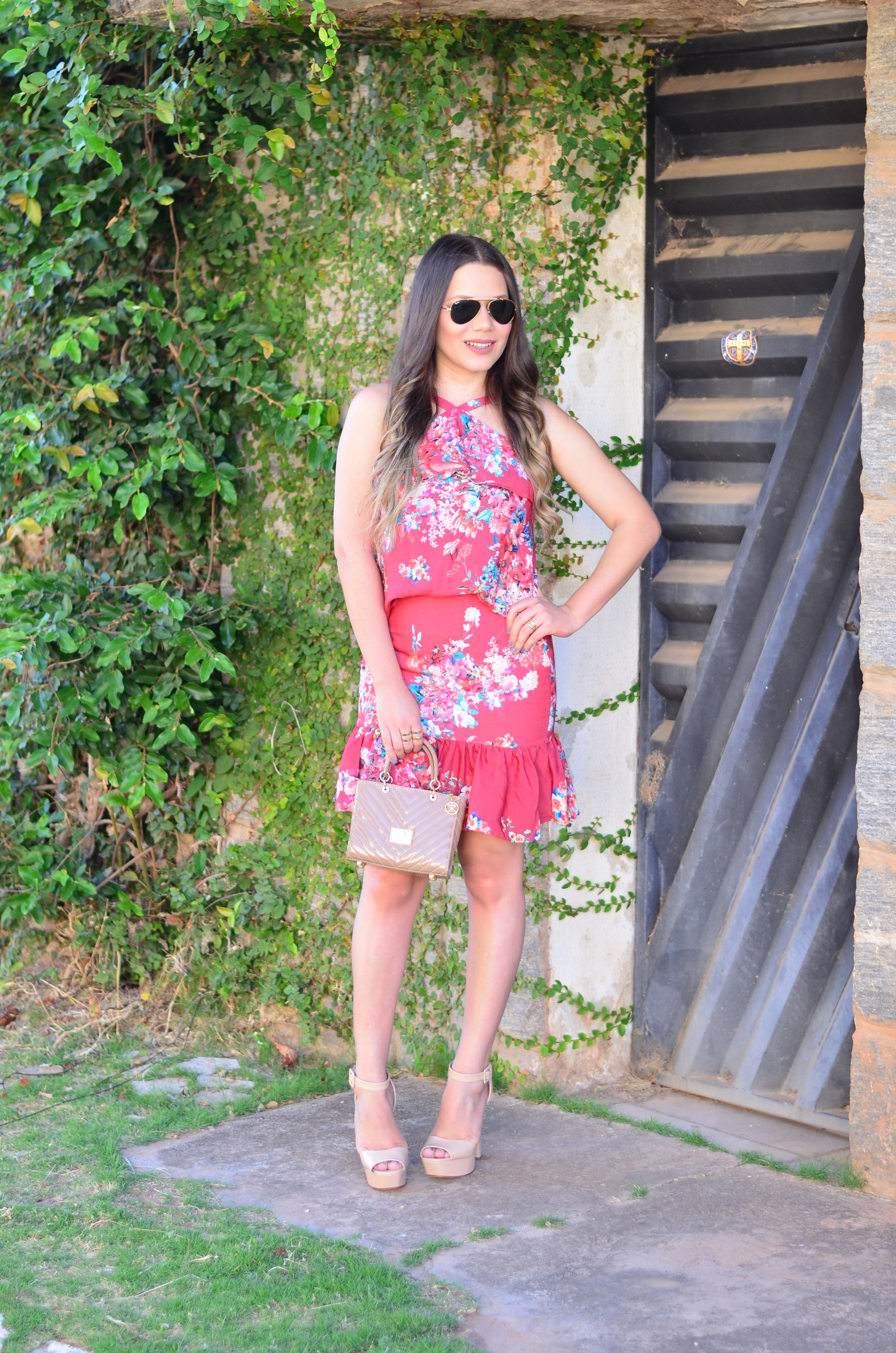 look-do-dia-conjunto-floral-e-salto-schutz-mini-bag3