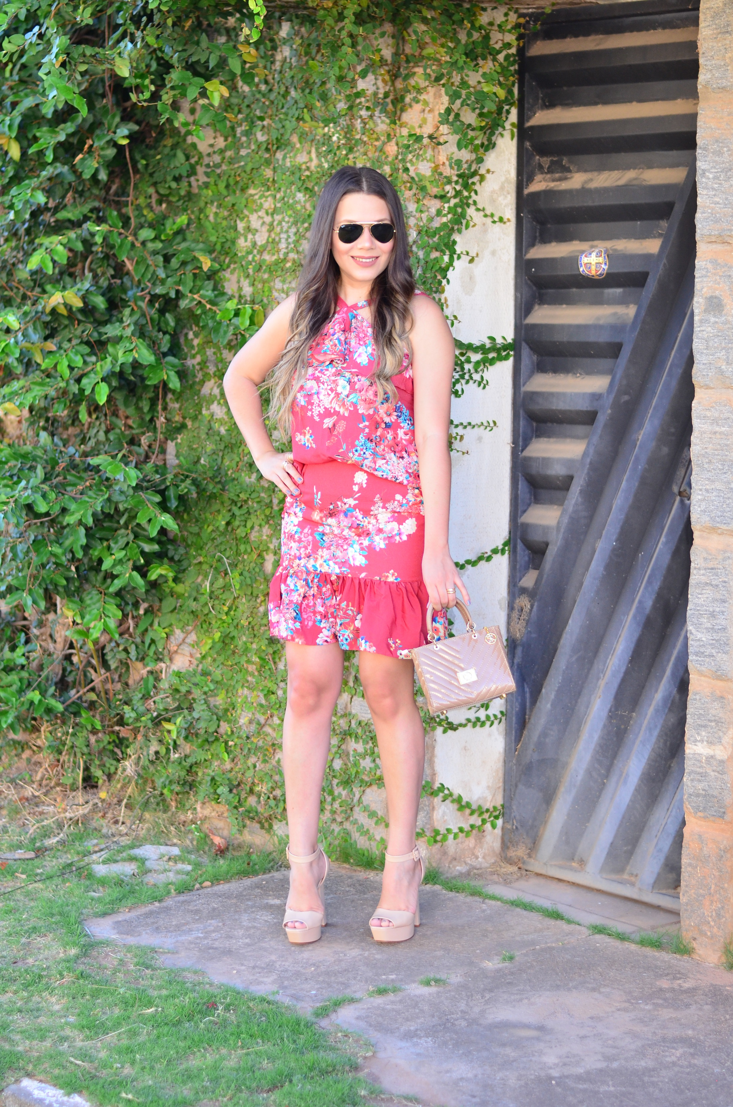 look-do-dia-conjunto-floral-e-salto-schutz-mini-bag5